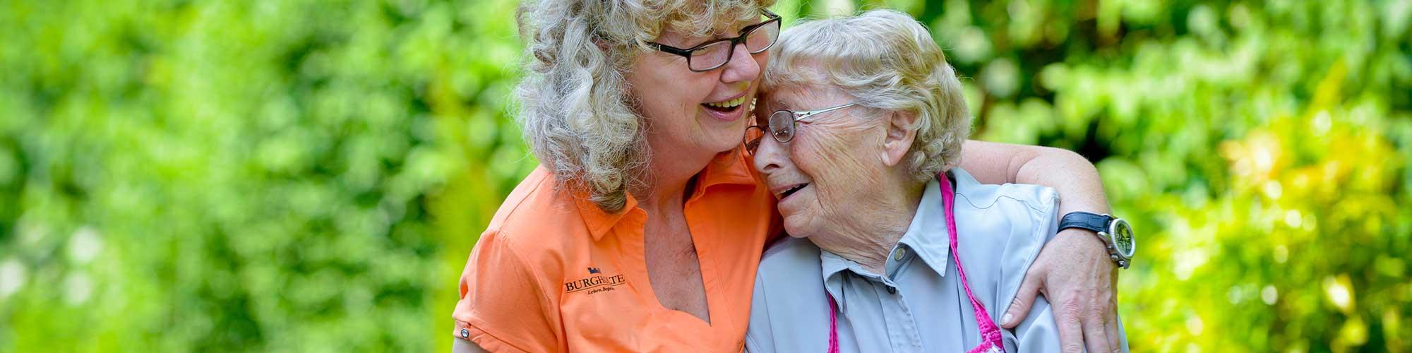 freizeit-3Liebevolle Pflege wird in den Burgholte Pflegeheimen besonders groß geschrieben.